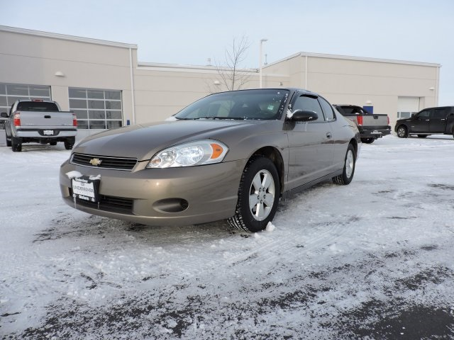 Pre Owned 2006 Chevrolet Monte Carlo Lt 2d Coupe In